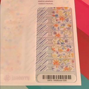 Jamberry wrap- Wildflower